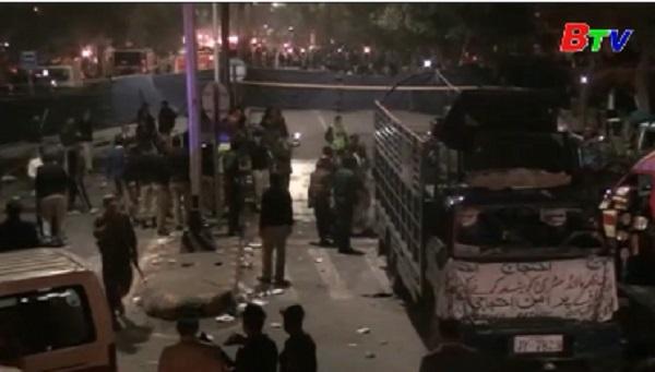 Đánh bom liều chết tại Pakistan gây nhiều thương vong