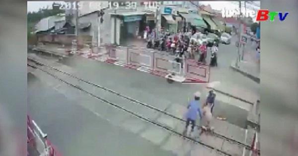 Bộ trưởng Bộ giao thông vận tải gửi thư khen hai nữ nhân viên đường sắt có hành động dũng cảm cứu người