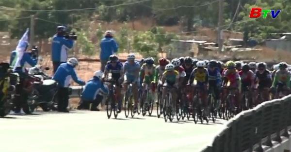 Chặng 6 Giải đua xe đạp nữ quốc tế Bình Dương mở rộng 2017