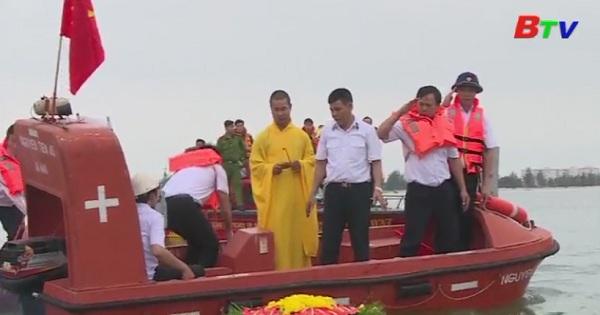 Lễ cầu siêu và thả hoa đăng tưởng niệm các chiến sĩ hy sinh tại đảo Gạc Ma