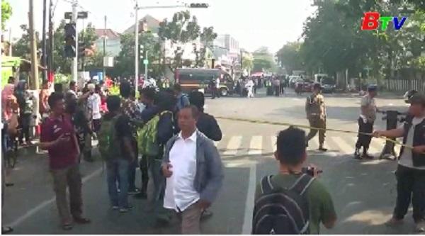 Indonesia - Thủ phạm loạt vụ đánh bom 3 nhà thờ là một gia đình 6 người