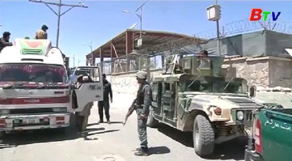 Afghanistan tăng cường truy quét phiến quân và các tay súng IS