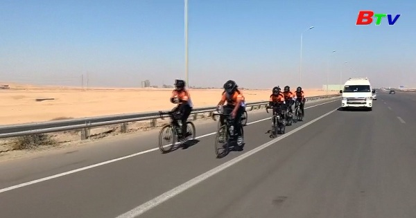 Đạp xe từ LonDon đến Mecca