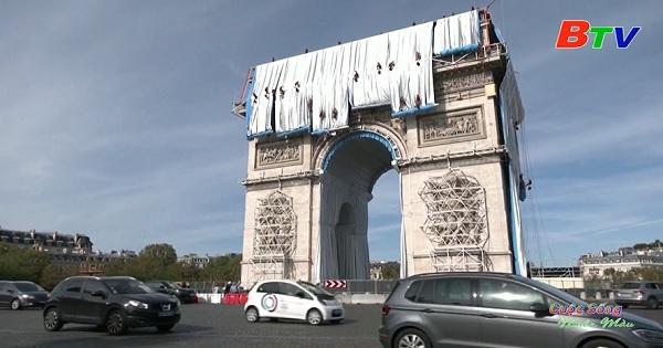 Pháp – Khoác áo nghệ thuật cho Khải Hoàn Môn