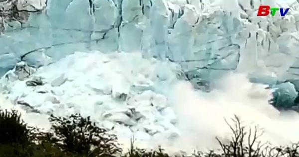 Chiêm ngưỡng trận lở băng ngoạn mục ở Argentina