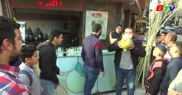 Thử thách uống nước mía tại Ai Cập