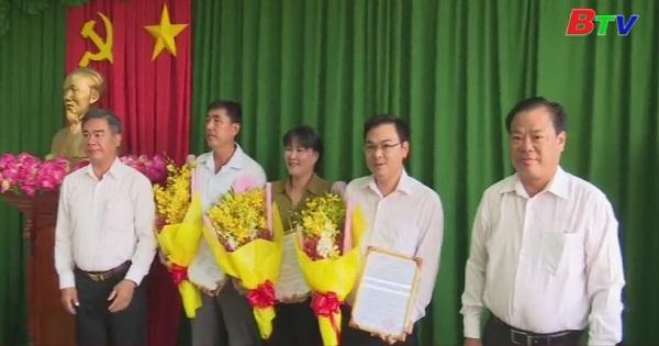 Thị ủy Tân Uyên tổ chức lễ công bố quyết định điều động và bổ nhiệm cán bộ