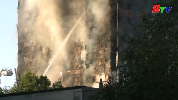 Thủ tướng May tuyên bố điều tra toàn diện vụ cháy chung cư