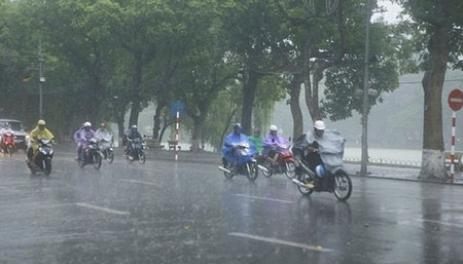 Nhiều khu vực trong cả nước có mưa, đề phòng tố, lốc, mưa đá và gió giật mạnh