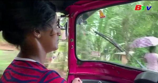 Taxi Tuk Tuk  - Cứu cánh cuộc đời của những bà mẹ đơn thân  ở Sri  Lanka