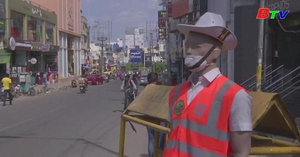 Ấn độ - Cảnh sát Manequine thiết lập trật tự giao thông
