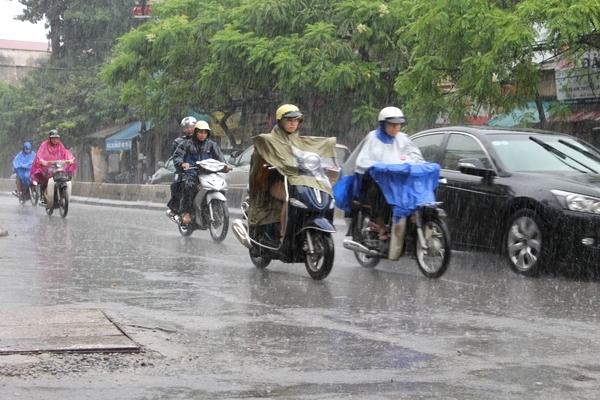 Nam Bộ và Tây Nguyên giảm mưa, áp thấp trên biển tan dần