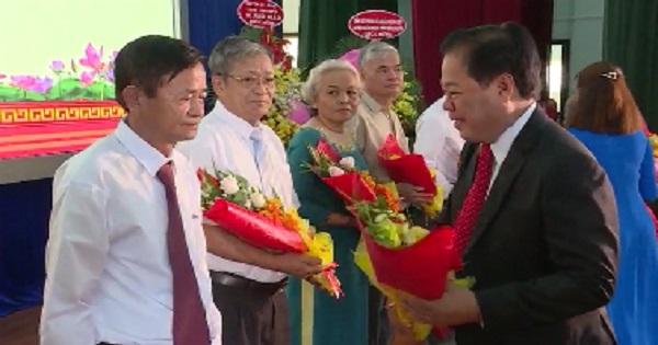 Tân Uyên kỷ niệm 90 năm ngày thành lập Đảng và đón nhận Huân chương lao động