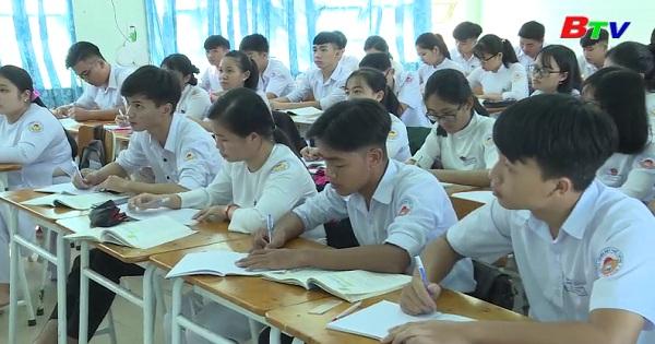 Kinh nghiệp giúp học sinh lớp 12 học tốt môn văn
