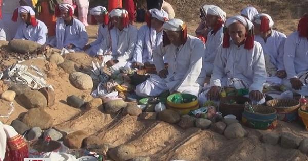 Lễ tảo mộ - Nét văn hóa truyền thống đặc sắc của đồng bào Chăm