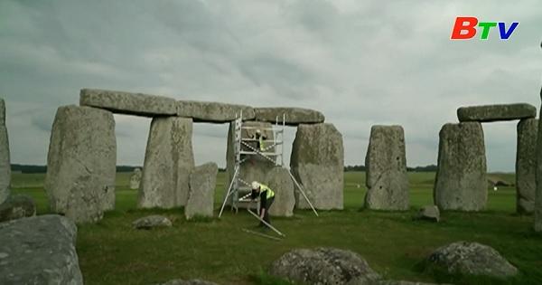 Anh – Bảo tồn công trình vòng tròn đá Stonehenge