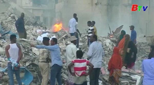 Somalia gần 440 người thương vong trong vụ đánh bom kép