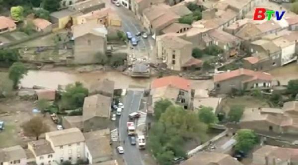Mưa lũ nghiêm trọng ở miền Nam Pháp, ít nhất 13 người thiệt mạng