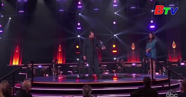 Ca sĩ Maren Moris giành 3 giải thưởng âm nhạc đồng quê