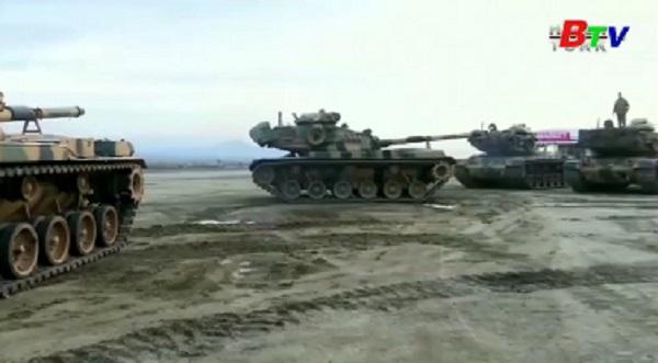 Thổ Nhĩ Kỳ triển khai nhiều phương tiện quân sự tới biên giới phía Nam giáp Syria