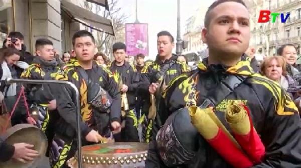 Người châu Á chờ đón thời khắc năm mới Mậu Tuất 2018
