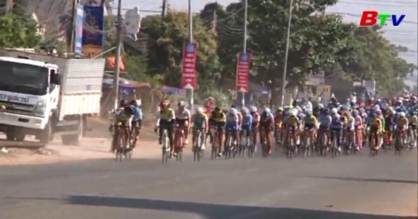 Chặng 2 Giải xe đạp nữ quốc tế Bình Dương mở rộng tranh Cup Biwase  lần thứ 7 năm 2017