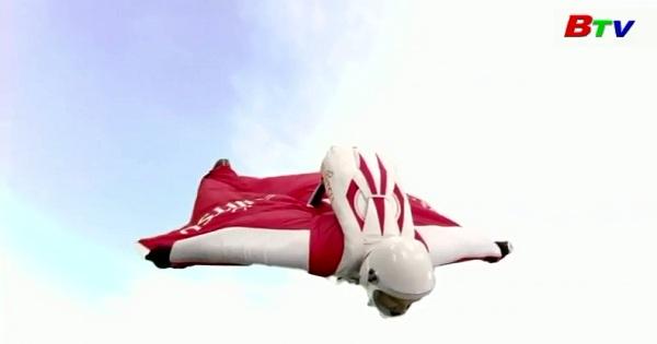 Fraser Corsan với ý định phá vỡ 4 kỷ lục Wingsuit flying