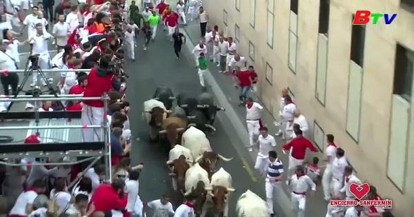 Người dân Tây Ban Nha chia tay với Lễ hội bò tót