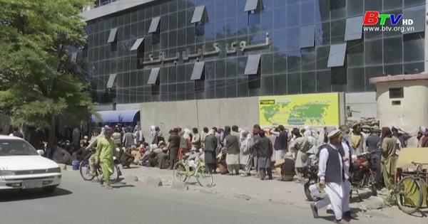 Chính quyền Taliban đối mặt với cuộc khủng hoảng tài chính
