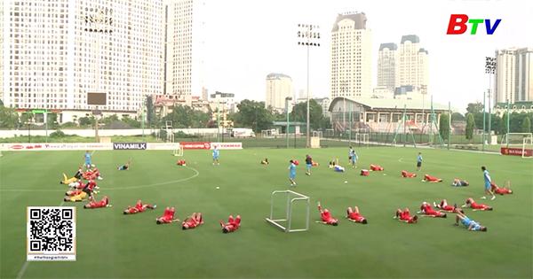 Đội tuyển Việt Nam hứng khởi trở lại tập luyện