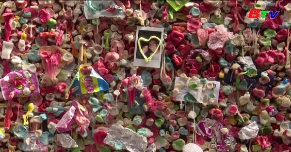 Độc đáo bức tường kẹo cao su ở Mỹ