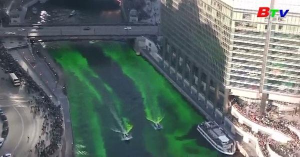 Sông Chicago nhuộm màu xanh lá mừng lễ Thánh Pattrick