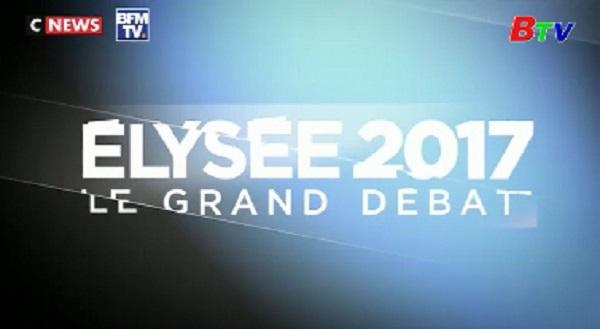 Các ứng cử viên tổng thống Pháp bám đuổi sát nút