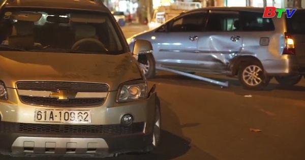 Hai ô tô va chạm - Một người bị thương