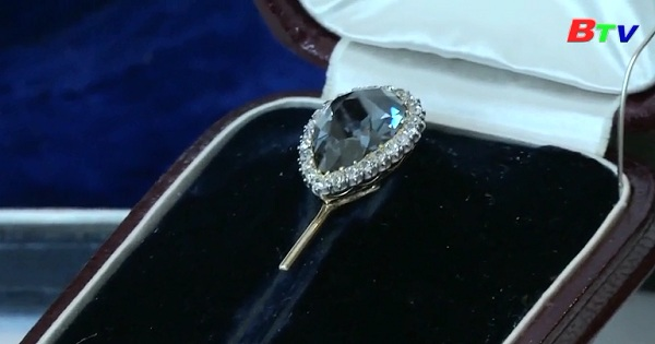 Đấu giá viên kim cương Farnese Blue cực hiếm