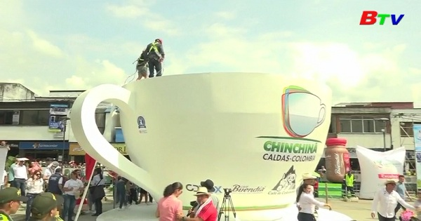 Thị trấn Chinchina nỗ lực lập kỷ lục tách cà phê lớn nhất thế giới
