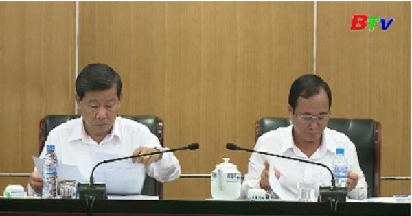 Họp tiểu ban nôi dung thông quan đề cương Báo cáo chính trị tại Đại hội Đảng bộ tỉnh lần thứ XI