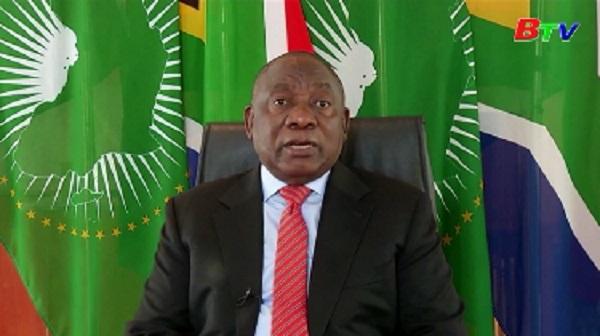 Nam Phi nới lỏng các biện pháp hạn chế vì COVID-19