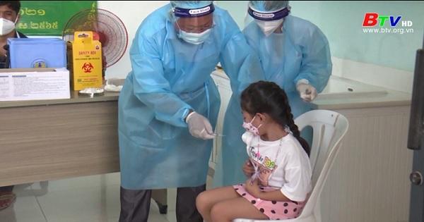 Campuchia tiêm vaccine Covid-19 cho trẻ từ 6 đến 12 tuổi