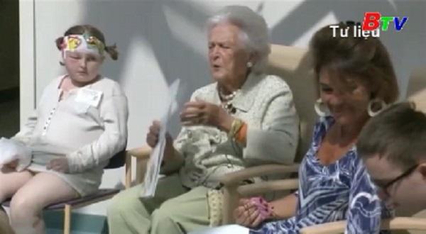Vợ chồng cựu Tổng thống Mỹ George H.W.Bush nhập viện