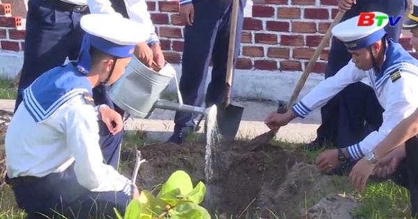 Tết trồng cây ở đảo Trường Sa
