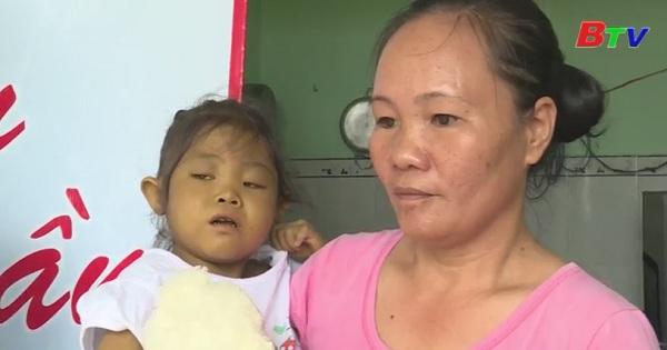 Hơn 35 triệu đồng hỗ trợ hoàn cảnh em Phạm Vân Khánh