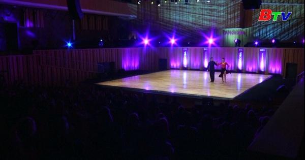 Giải Tango thế giới bước sang nội dung Tango sân khấu