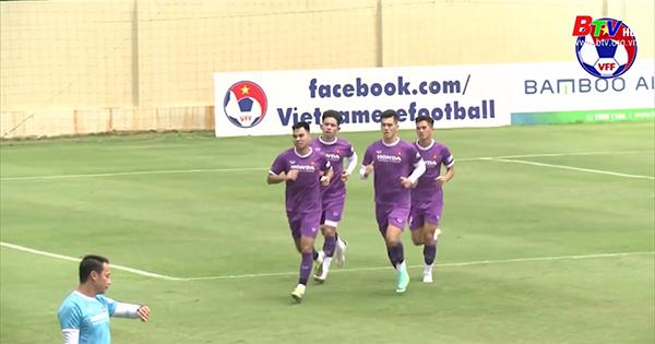 Các đội tuyển bóng đá Việt Nam tích cực chuẩn bị cho các giải đấu quan trọng