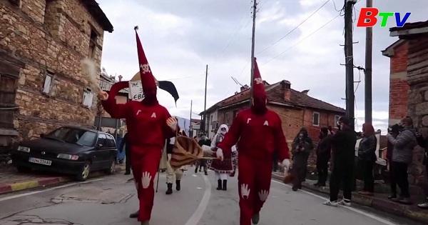 Lễ hội hóa trang Vevcani ở Macedonia