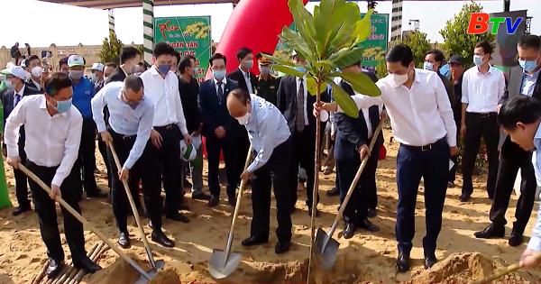Thủ tướng Nguyễn Xuân Phúc phát động Tết trồng cây