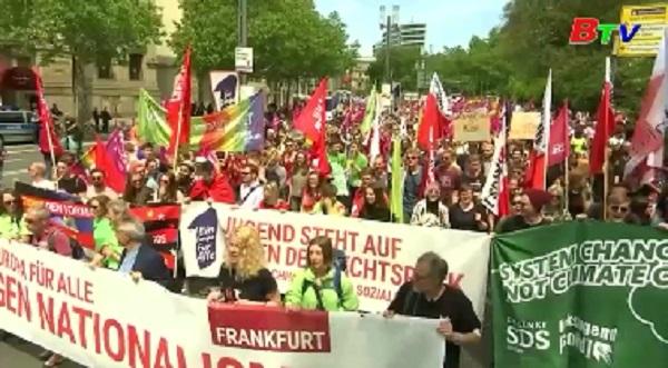 Tuần hành quy mô lớn ở Đức phản đối chủ nghĩa dân tộc trước thềm bầu cử EP