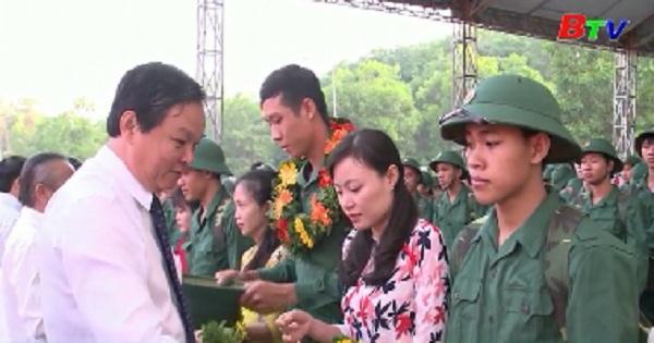 Tưng bừng ngày hội tòng quân ở huyện Bắc Tân Uyên
