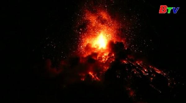 Guatemala - Núi lửa phun trào, hàng ngàn người di tản
