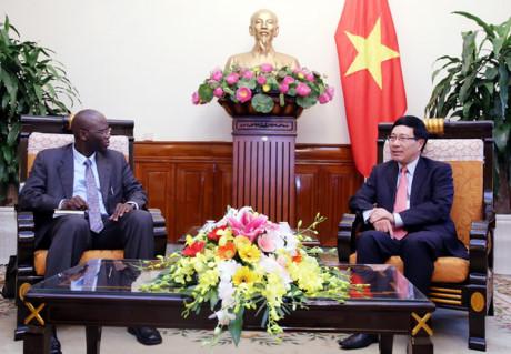 Phó Thủ tướng Phạm Bình Minh tiếp Giám đốc WB tại Việt Nam